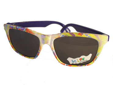 34c05ef1c1e4 Børnesolbrille i fine farver med blå stænger . UV beskyttelse (1-2 år)