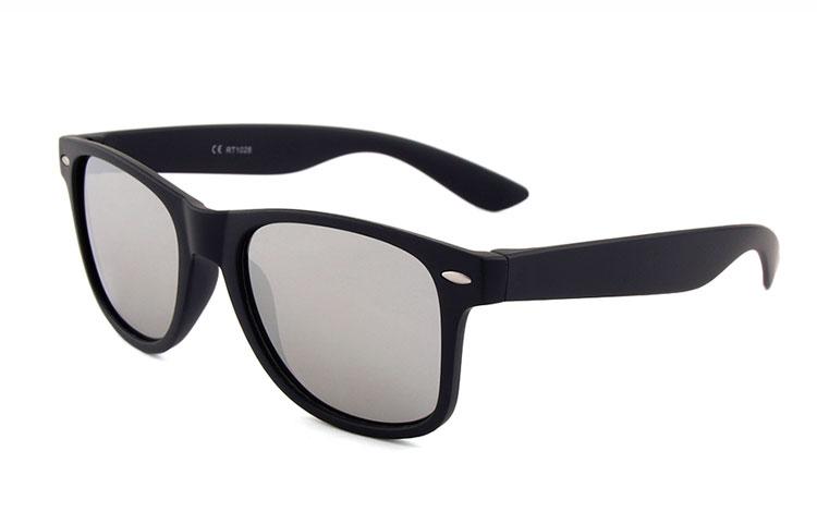 ray ban wayfarer solbriller med ørestykker af bambus