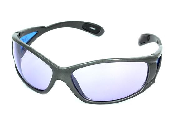 1d4f28d32535 Herre solbrille i grå i sporty look. - Design nr. 681