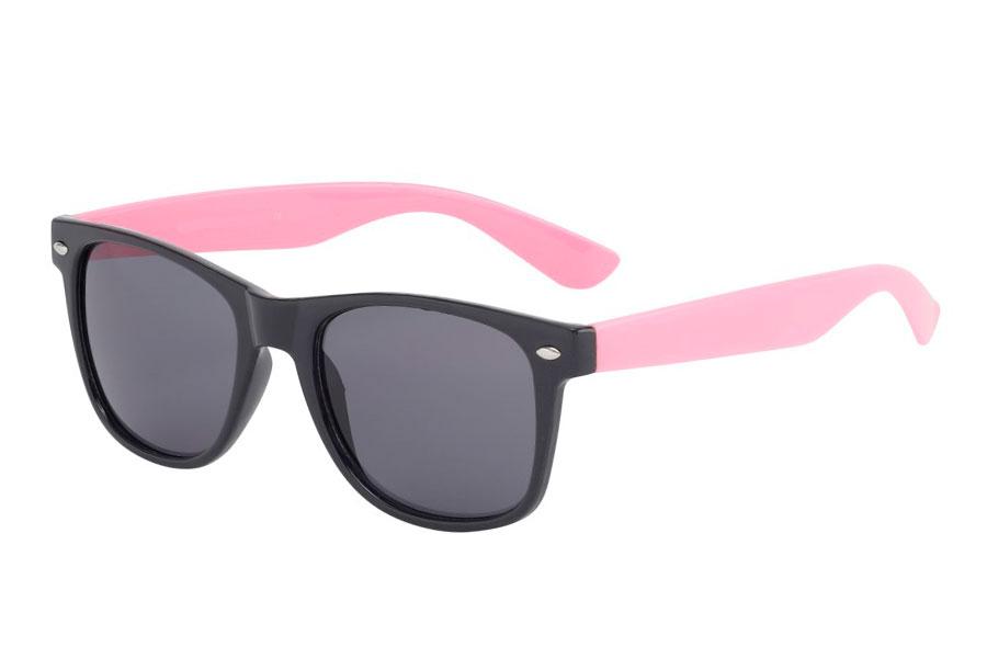 63df0ddc60e3 Sort wayfarer agtig solbrille i blank med pink stænger. - Design nr. 595